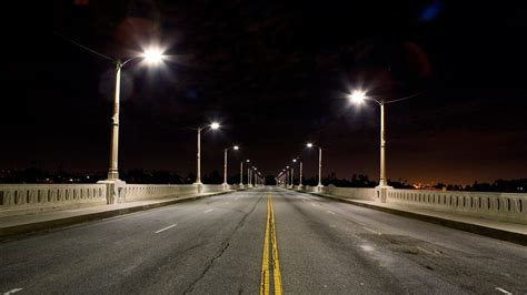 Bright Street Lights Can Be Bad for Your Health, Doctors