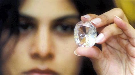 The Kohinoor Diamond: the stolen and the cursed - YouTube