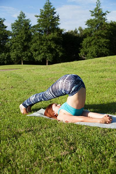 Step by step 10 minute yoga sequence with pictures