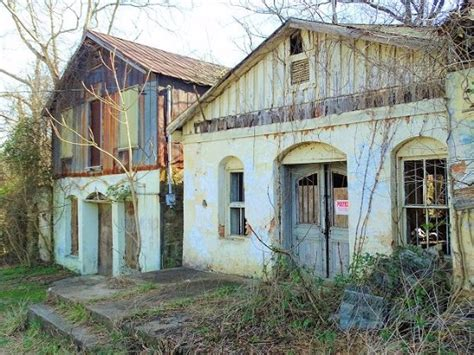 ruins of old building - Picture of Glendale Shoals